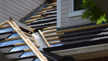 Roof Repair vs Total Replacement